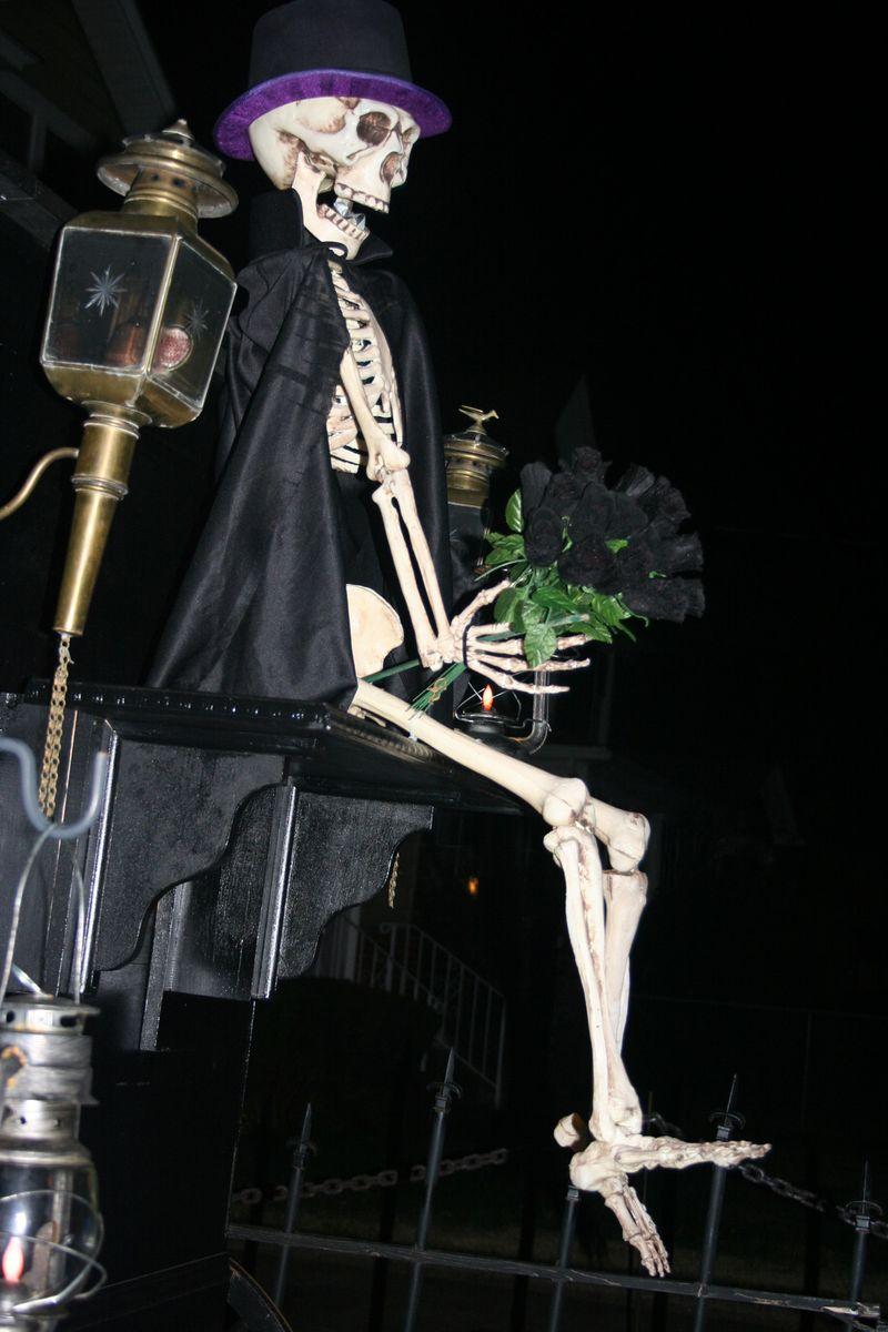 Skeleton night