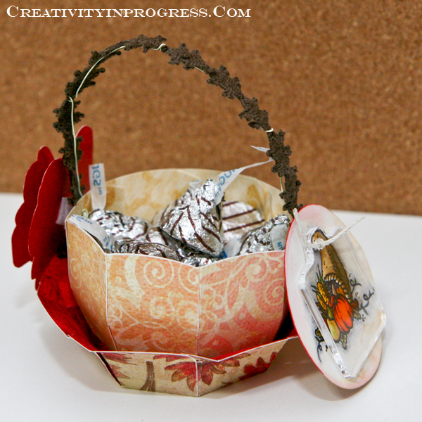Sunghee - basket with cornucopia tag