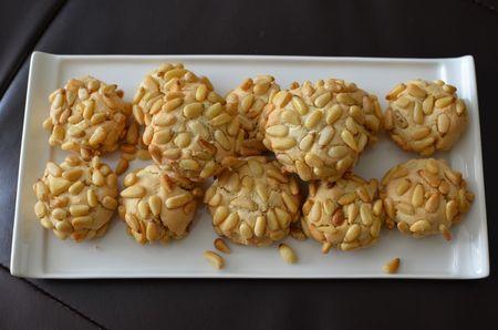 Pignoli cookies (10)