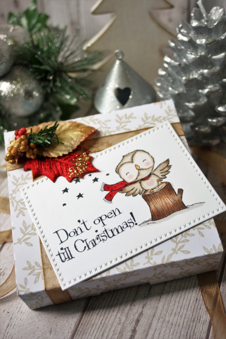 Sally On - Flora tag2