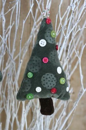 Embossed_velvet_tree_ornaments_tatu