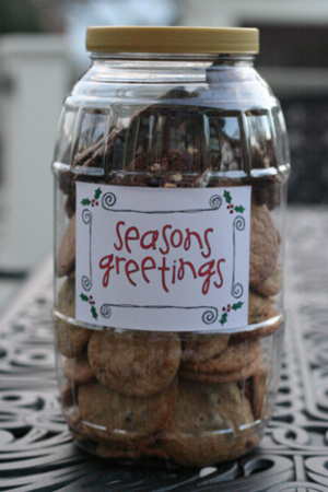 Seasons_greetings_cookie_container