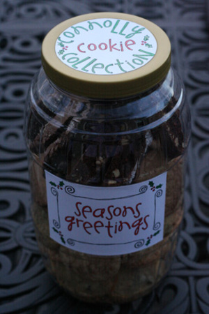 Seasons_greetings_cookie_container_